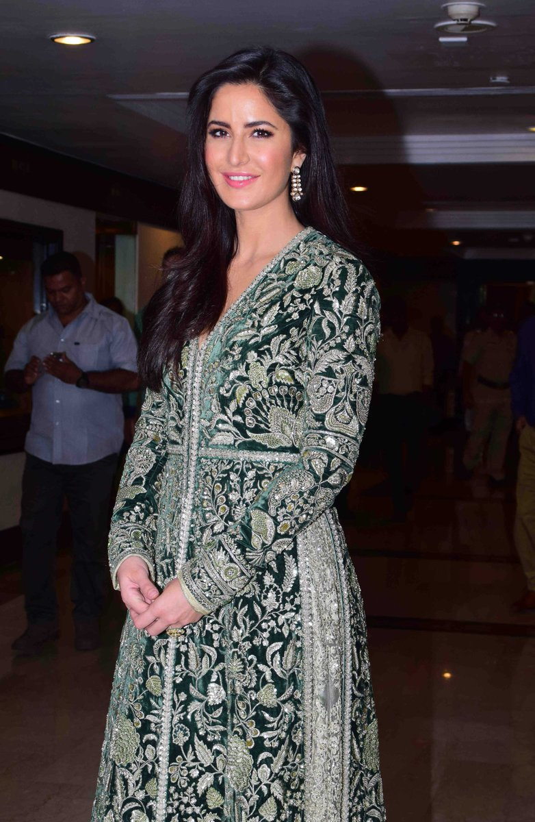 Katrina Kaif at the Priyadarshini Academy Awards [4]   #KatrinaKaif https://t.co/wTzwYK3rt6