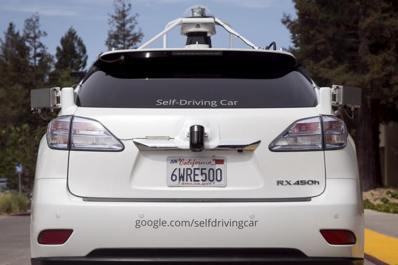 U.S. may seek power to pre-approve self-driving car technology