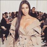 Kim Kardashian é rendida por homens armados em hotel em Paris