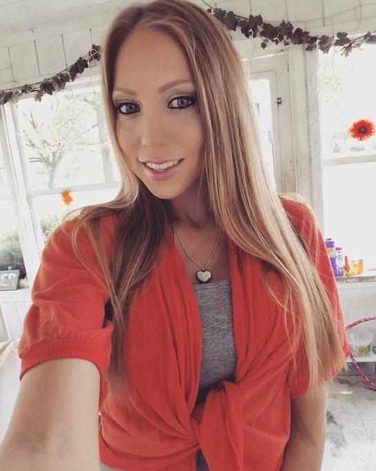 Busty MILF pornstar Shawna Lenee giving handjob and blowjob in shower № 201690 загрузить