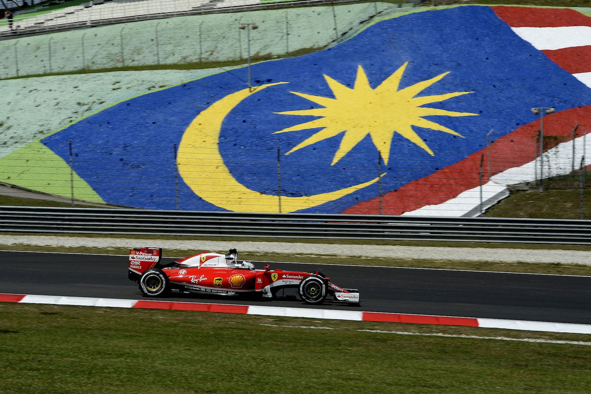 s #MalaysiaGP in one photo gallery > https://t.co/stC7xedhOt https://t.co/FYcB69IWxR