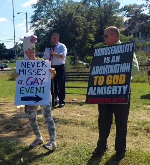 """An FFRF member, dressed up like the Invisible Pink Unicorn,"""" makes quite a statement in North Carolina. https://t.co/gmhQxHF9W2"""