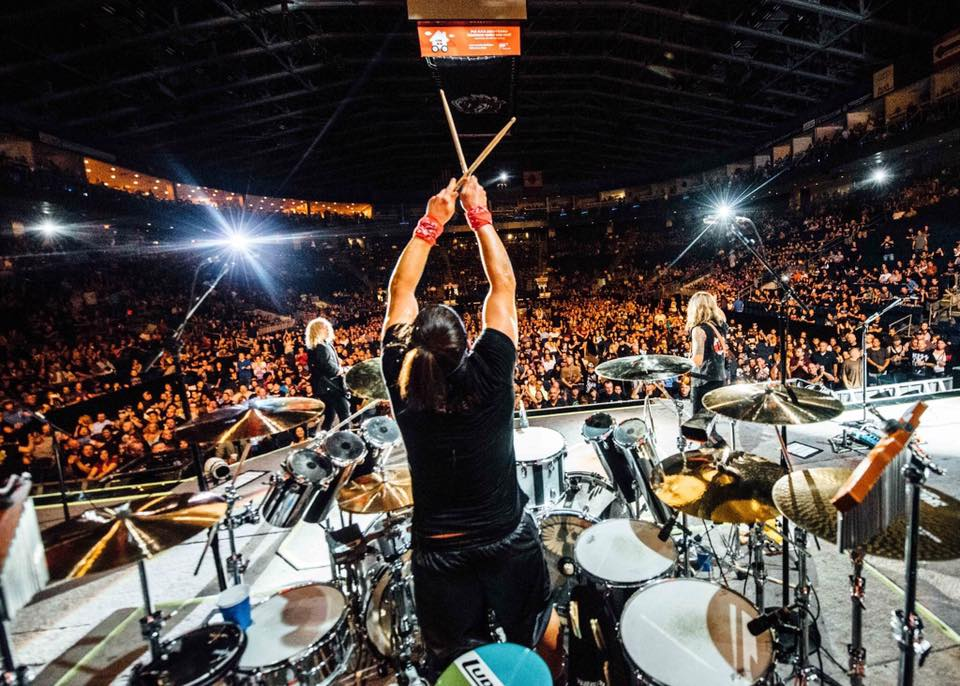 Great shot of @BrianTichy looking like he's having fun on the @TheDeadDaisies tour! https://t.co/LtaLOMM550