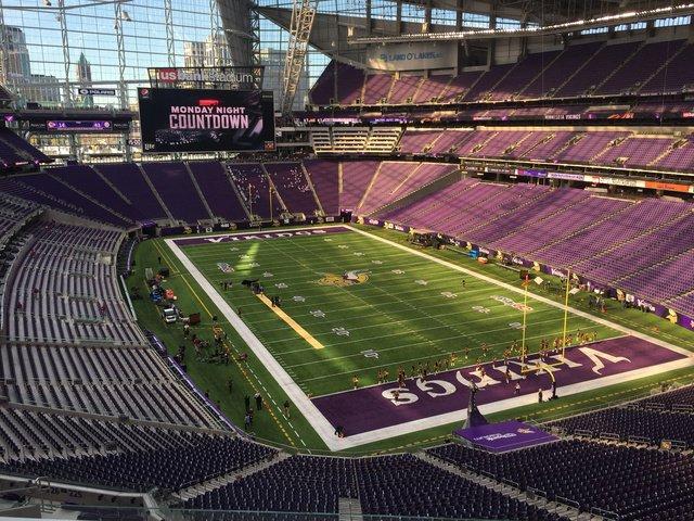 Best stadium in the NFL? It has to be. https://t.co/YwOprvdzsh https://t.co/pJyUwPZnnR