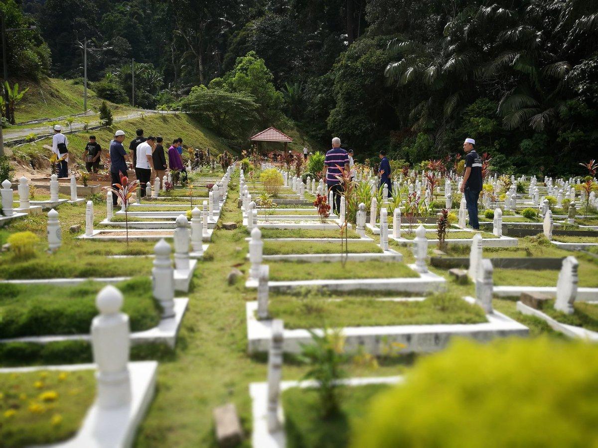Semoga kematian dapat mengingatkan kita kepada taubat dan penyesalan https://t.co/kjGe4WtCRL