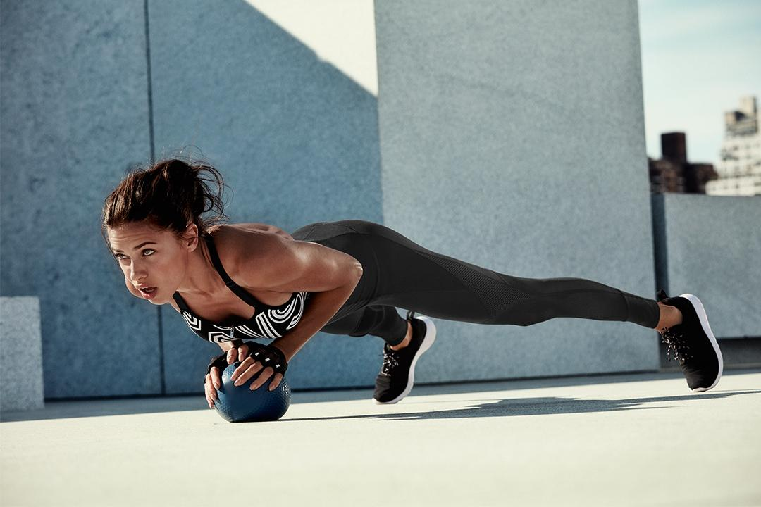 Always on the ball in @VictoriaSport https://t.co/7Ys3jrAKQ4 https://t.co/ZKl9C2mePb