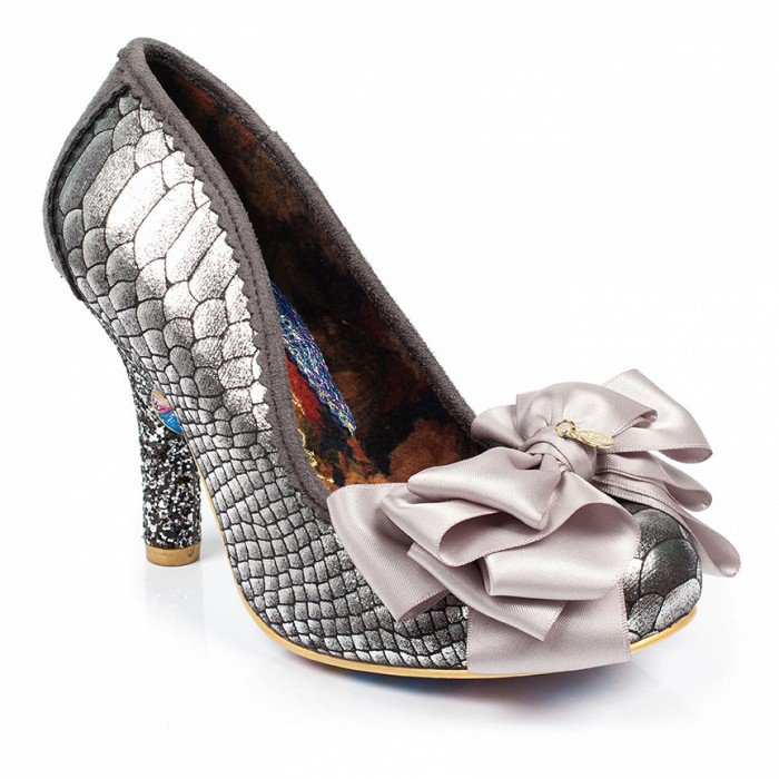 Calling all mermaids! Exclusive heels now available @thinkgeek https://t.co/Sx6g6bE55S