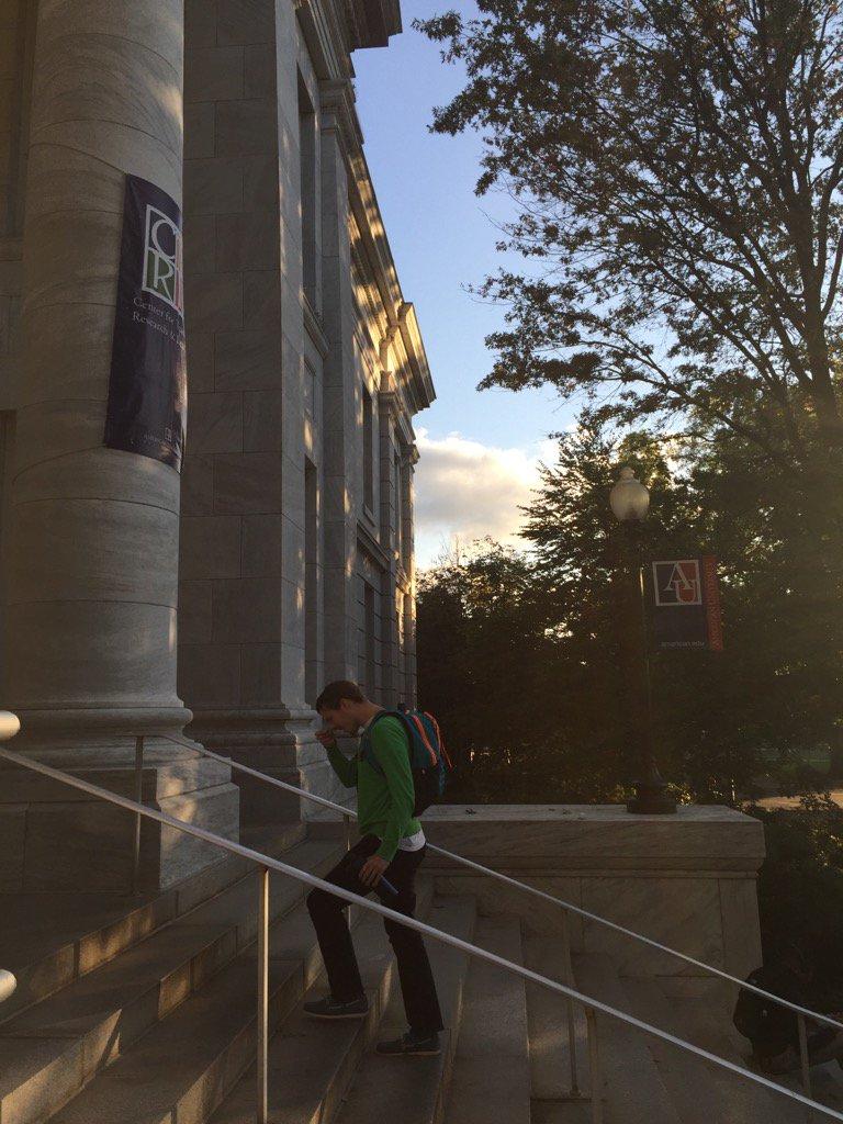 Lovely soft light falling upon parts of Hurst Hall. #AU  @AmericanU https://t.co/RiwMDEglgv