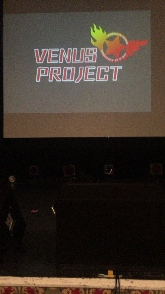 1年前の今日はVENUS PROJECT プレミアムライブでした。流風ちゃんの『アンブレラはいかが?』は最高だった。また