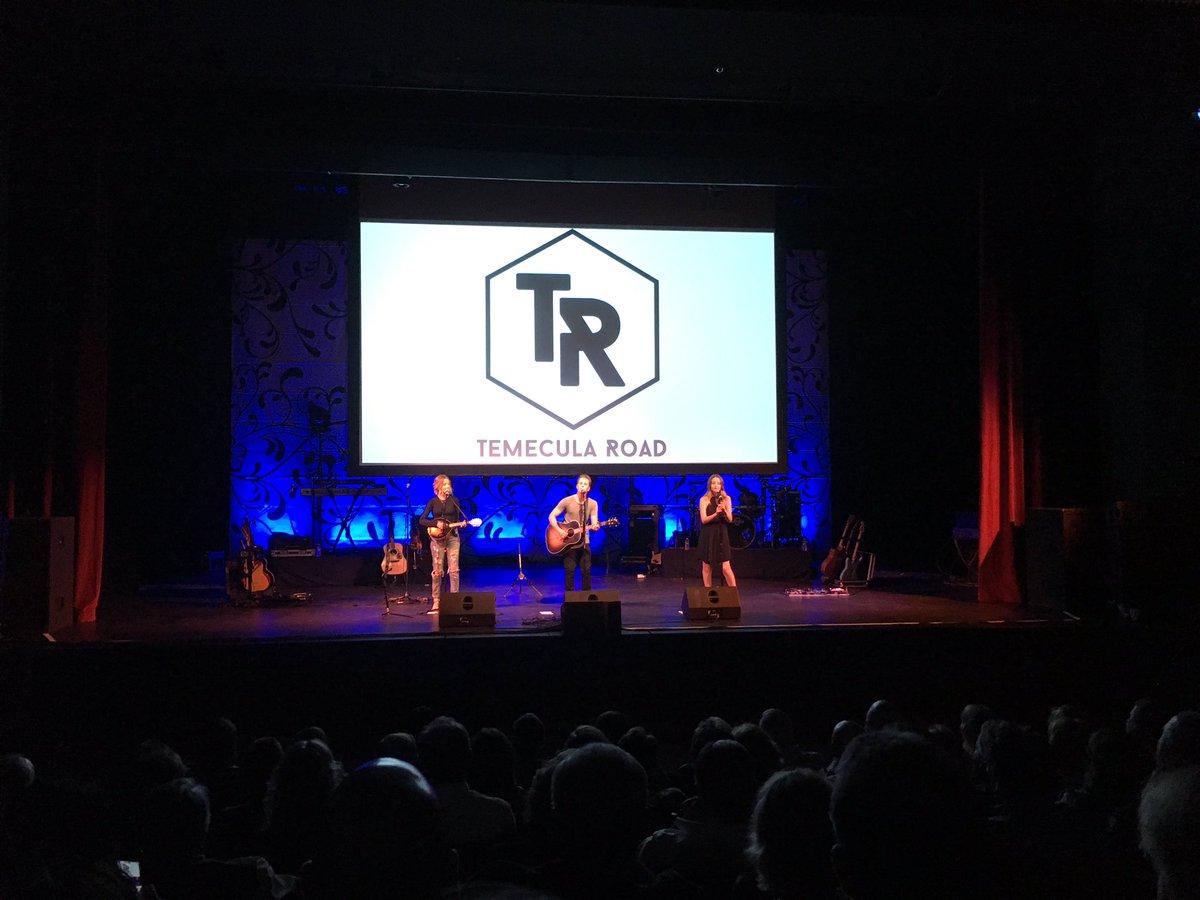 Loved @temecularoad opening for @saraevansmusic at @pepperdine tonight! https://t.co/hA6VlaRYAH