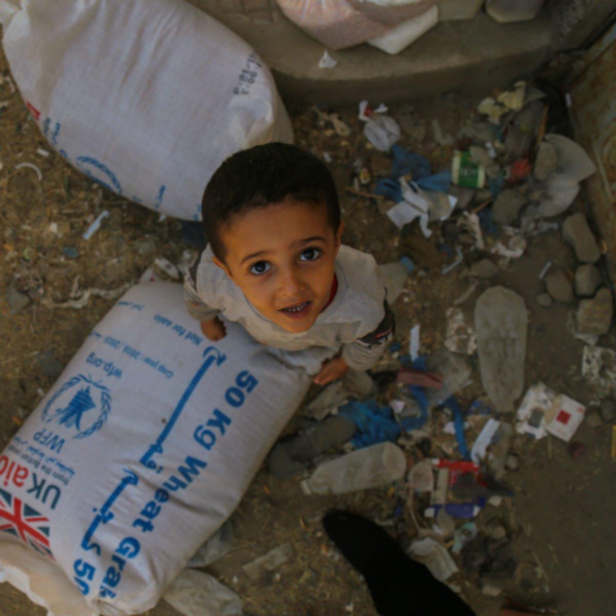 #اليمن في ارقام: أكثر من عام على الصراع 2.8 مليون شخص نازح داخلياً 14.1 مليون شخص في حاجة ماسة للغذاء https://t.co/5oCB0aGcYP