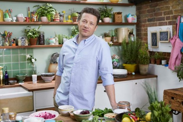 RT @HuffPoLifestyle: .@jamieoliver champions 'nutritious not faddy' superfoods in new series https://t.co/Mb4abipEs5 https://t.co/ls1KUHi9oa