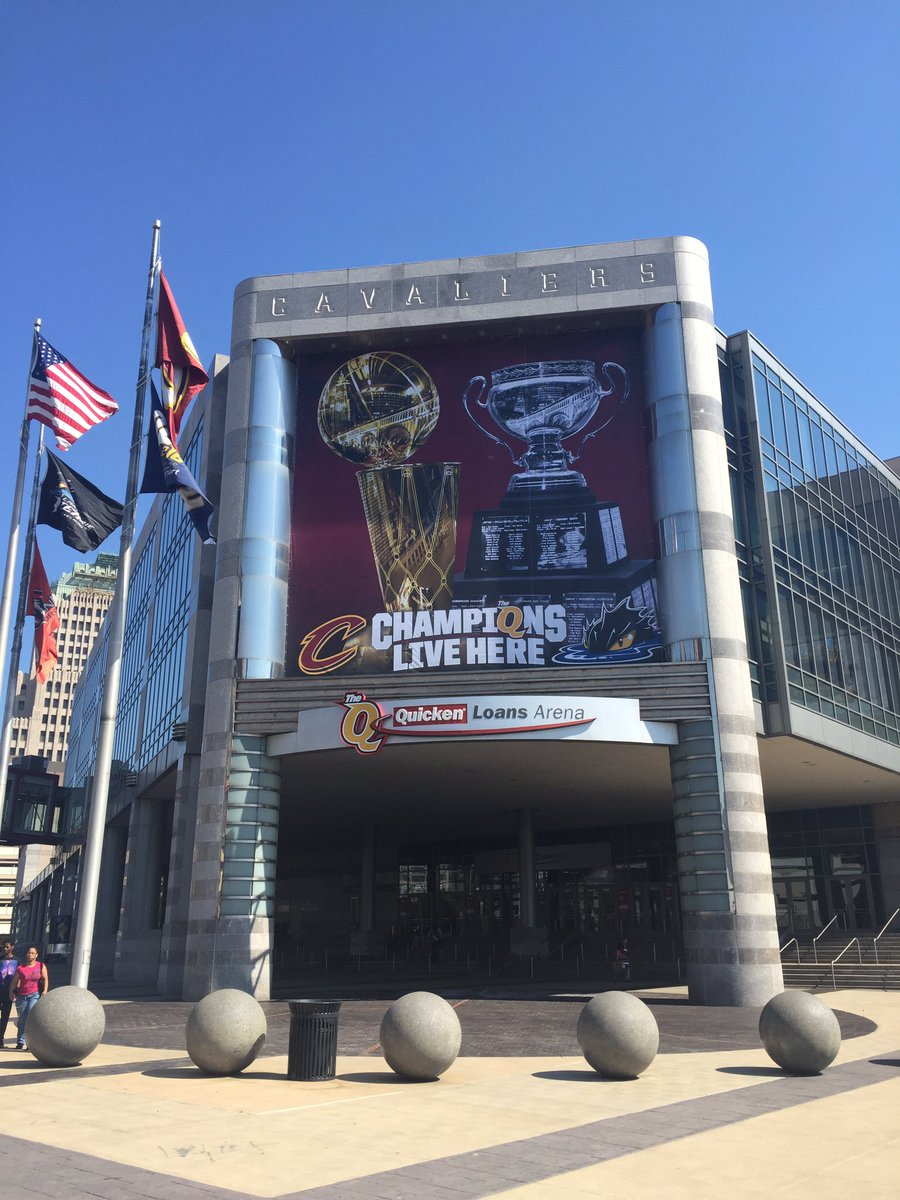 Happy Friday Cleveland! https://t.co/ucT76s5vsy