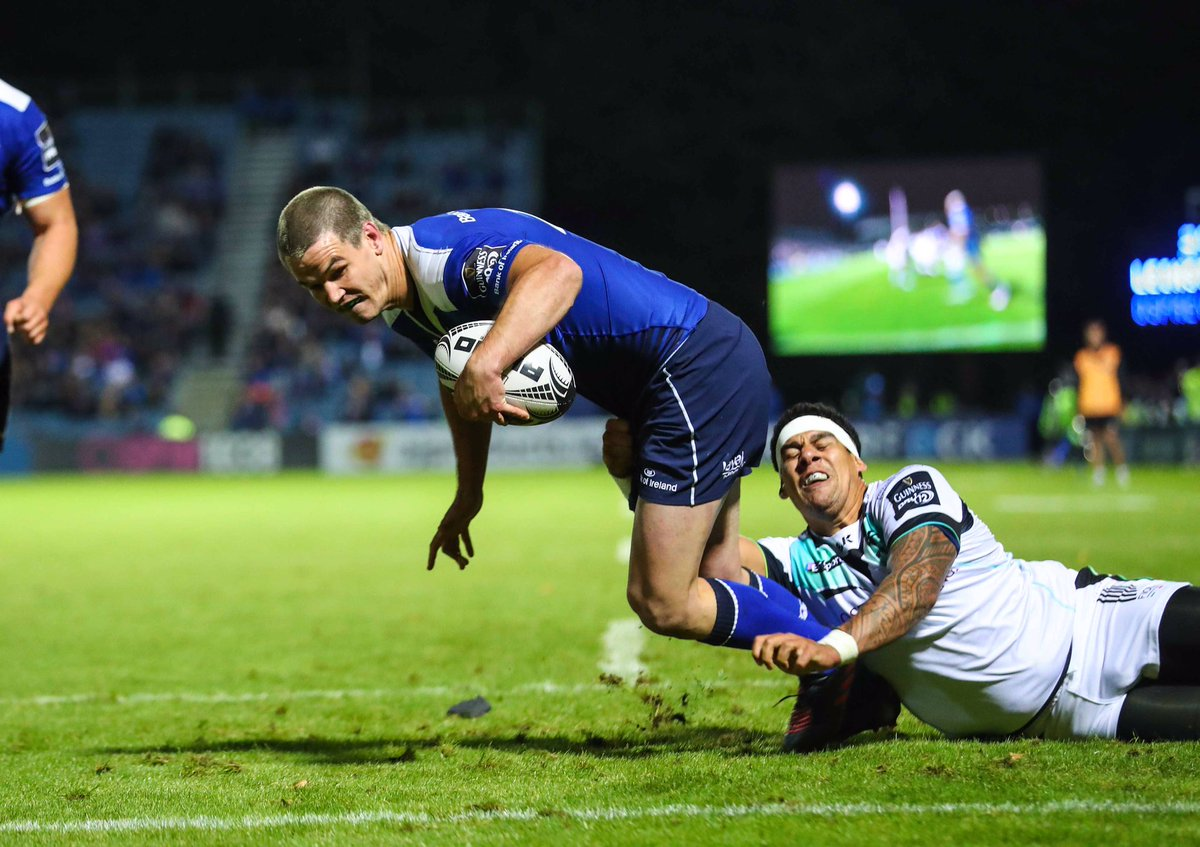 What a great first half @leinsterrugby. Sexton is back with a bang! #LEIvOSP https://t.co/rftZJScVxm