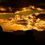 Una hermosa foto de ingeniomasfotografia Gold Sky #PopayánCO #ingeniomasfotografia #godox #nikon #Popayán #Cau https://t.co/3LjA6OmnCS