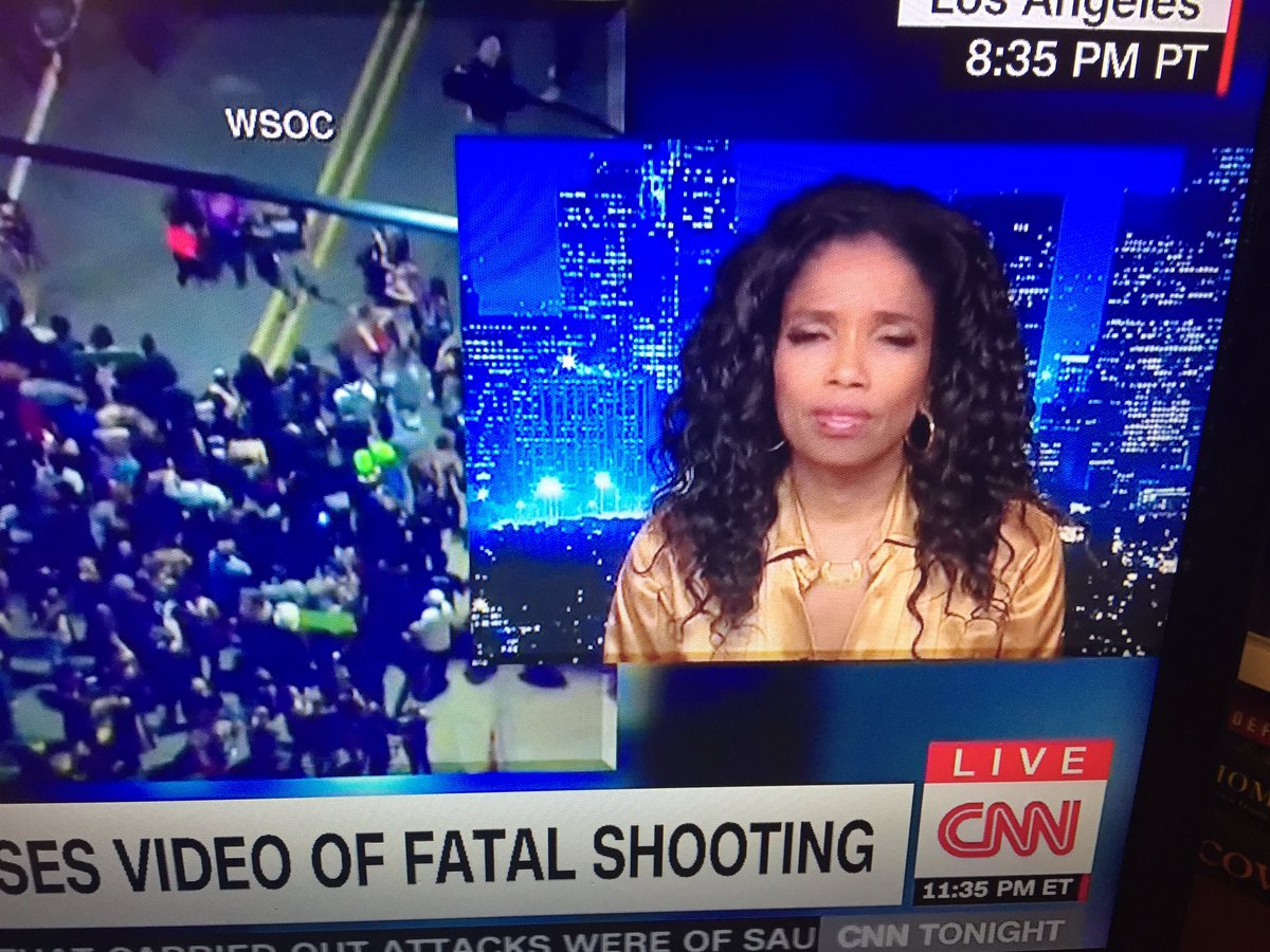 Waiting to go on the air, watching my sis @ArevaMartin on @CNN https://t.co/NDClMjmwYU