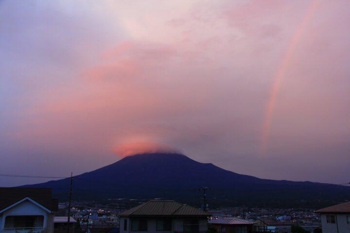 9月24日富士宮からの夕方富士山~まさかの虹と富士山きました(^ ^) - フォト蔵 https://t.co/L1ZixC4e5V https://t.co/UB3exsEfG3