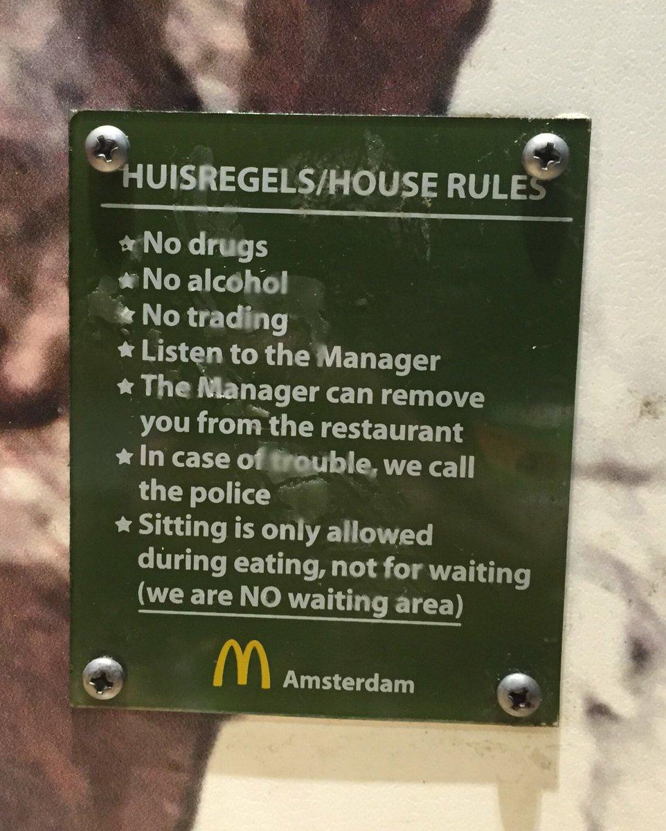 Макдональдс в Амстердаме предупреждает https://t.co/1pqTVkpjEp