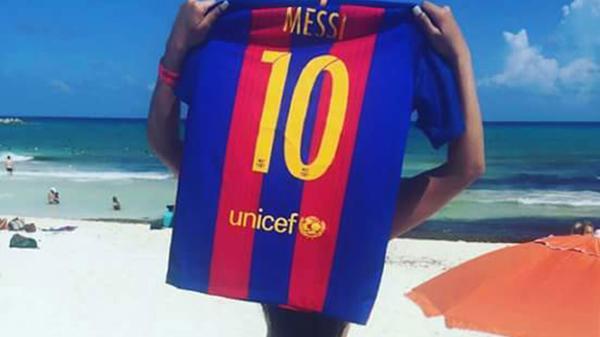 RT @InfobaeAmerica: Miss BumBum le dedicó otra foto a Lionel Messi