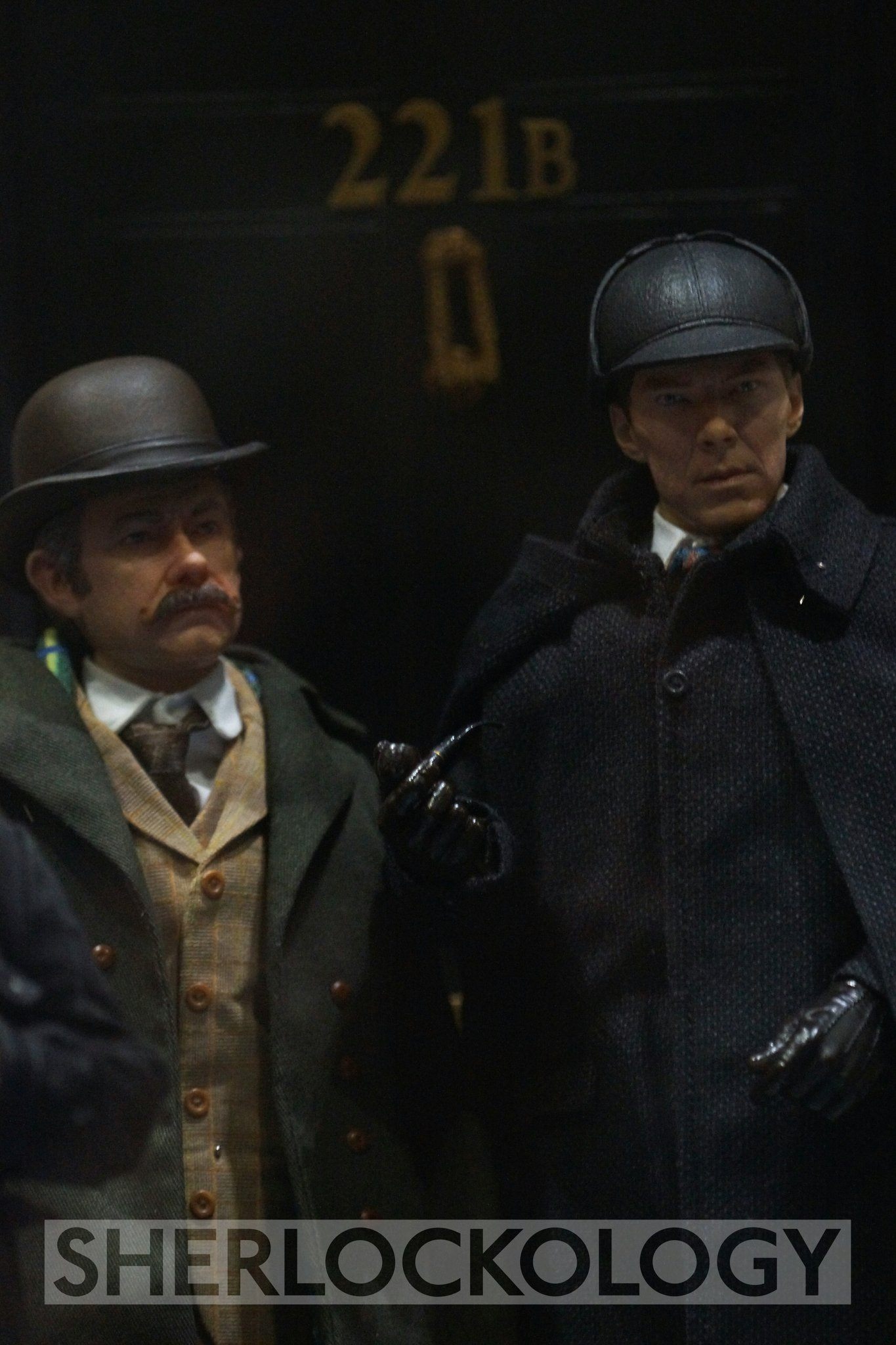 First 'in the flesh' appearance for @BigChiefStudio1's 1:6 figures of Holmes and Watson at #SherlockedUK! https://t.co/xYMhpRN3lL