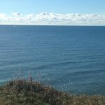 Sailboat off Bonnie Brae Point on a beautiful fall morning. #Oshawa https://t.co/mvitjn3nxY