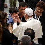 Les émouvantes images de la rencontre des victimes du 14-Juillet avec le pape François  https://t.co/7pShROZ2Zx https://t.co/qgVSPoHK50