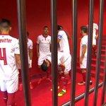 El #SevillaFC, preparado para saltar al campo. #vamosmiSevilla #ATHvSFC https://t.co/gXDG5jtjJ6