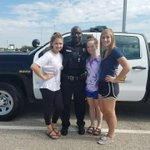 Officer Bell had a great time this morning at the @OlatheSouthHS Project Graduation Car Show 🚔 https://t.co/6O8Xhncozs