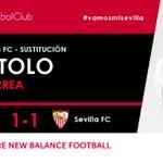 59I Primer cambio en el #SevillaFC se retira @tucu_correa y entra @VitoloMachin #vamosmisevilla #AthleticSevillaFC https://t.co/hExowGHxcP