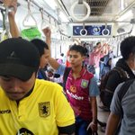 Fans in Indonesia show me they took the train to watch Villa game in bar. No matter where they are, Villa is big part of their weekend.#UTV https://t.co/b1GTbBz5b4