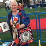 """Debbie has photo of her grandmother presenting wreath 2 Queen Mary in 1914 """"Will & Kate, youre doing great!"""" She chants #RoyalVisitCanada https://t.co/PmKUCYEWku"""