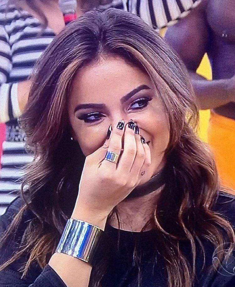 #AnittaNoLegendários: Anitta No Legend &aacute ;rios