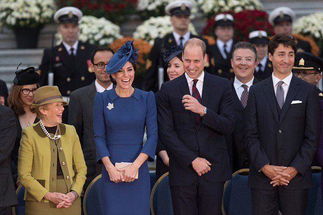 STORY: Duke and Duchess a big hit at #Victoria welcome #RoyalVisitCanada https://t.co/fevagEj7mD https://t.co/yxASLe0ahR