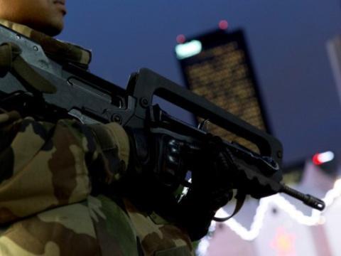 #Rediff Adieu le Famas, l'armée adopte le fusil d'assaut allemand HK 416 https://t.co/TYQn3ICvKP