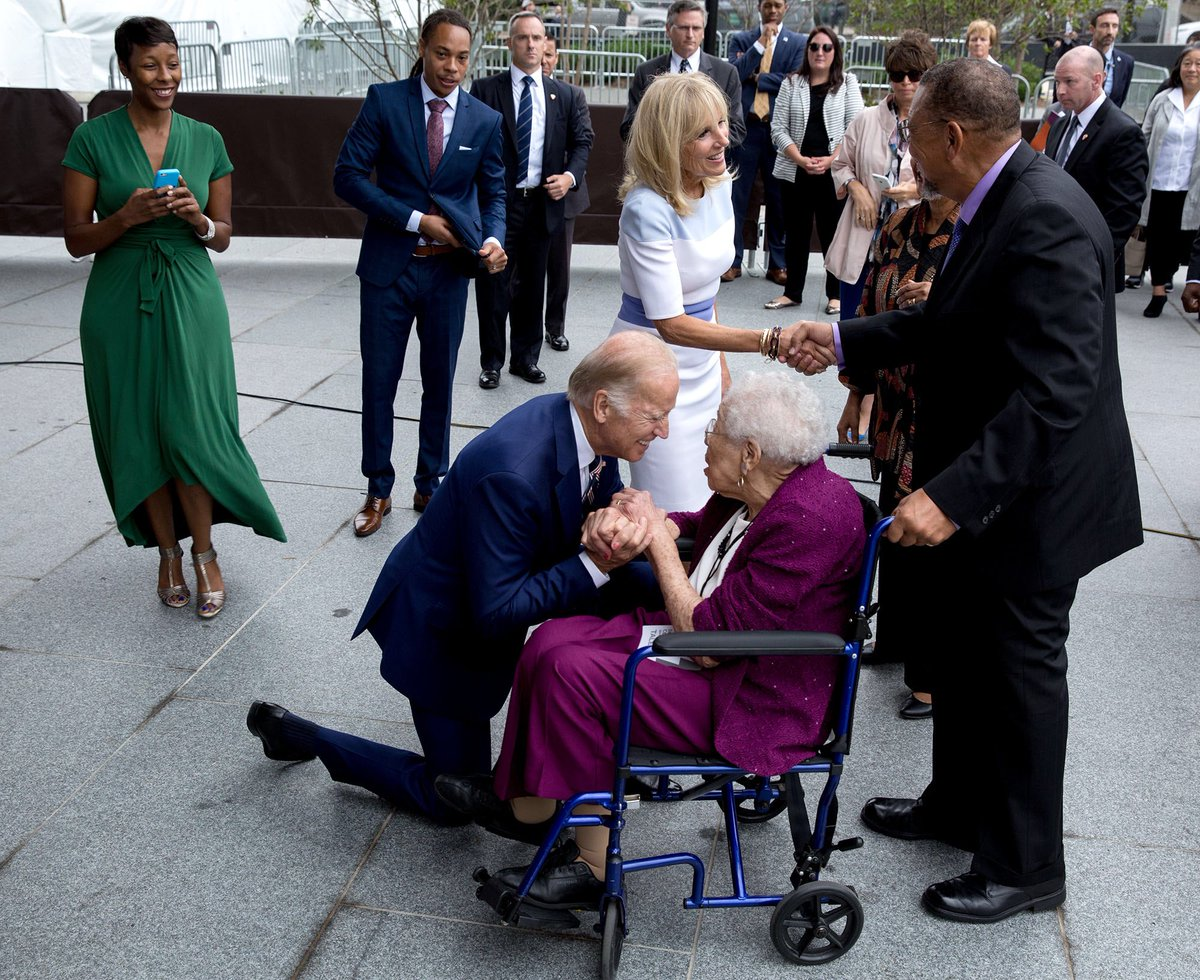 VP Biden w Ruth Bonner, 99, daughter of slave from Mississippi at African American Museum dedication ceremony today https://t.co/36yoNaizxP