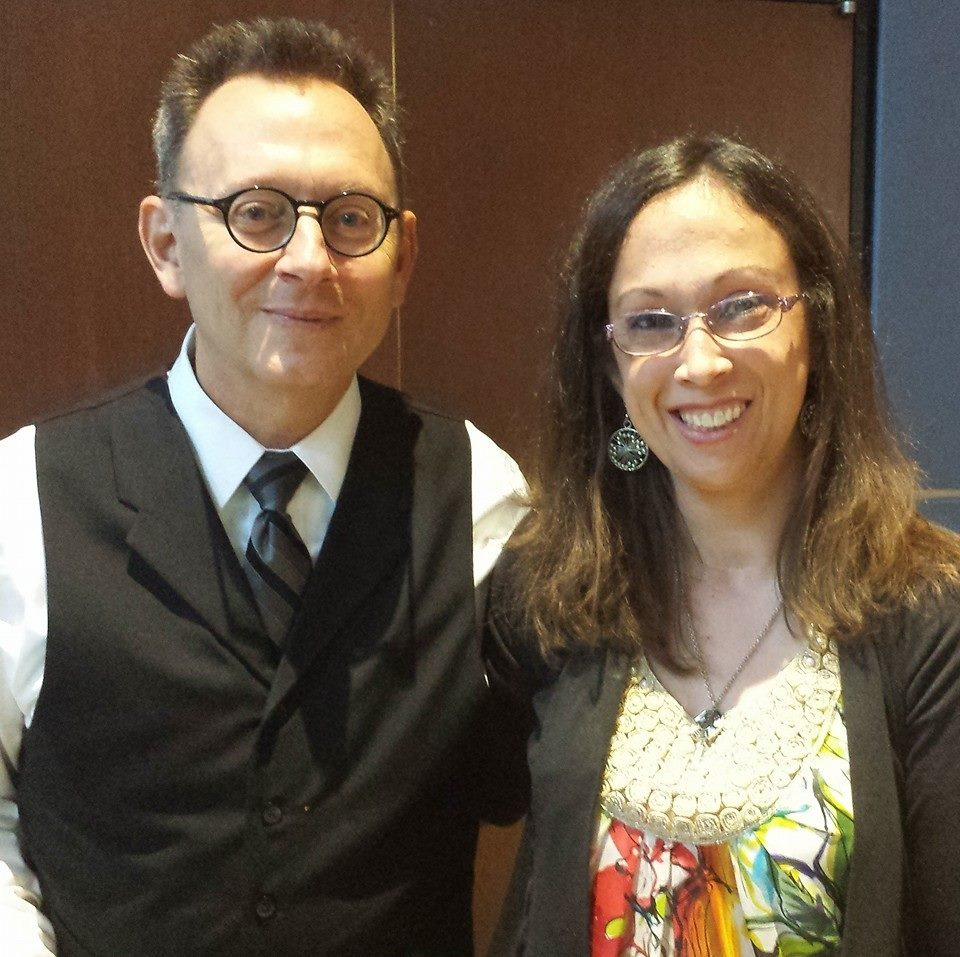 Hey I met Michael Emerson tonight! <3 Not a great lighting shot.... but such a good thing!! https://t.co/halXASxqjK