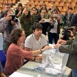 👍🏻 En este momento ejerce su derecho a voto @AlfonsoAlonsoPP en su colegio electoral en #VitoriaGasteiz. #25S https://t.co/sMLSlq6ORP