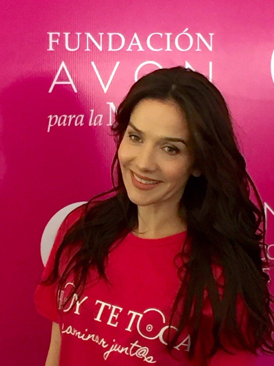 #NataliaOreiro en #CaminataAvon de @FundacionAvon  #HoyTeToca https://t.co/d45dQ40aLa