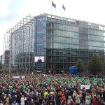 Kiitos.Te yli 20 000 ihmistä, jotka eilen osallistuitte #pelipoikki mielenosoituksiin. #rikotaanhiljaisuus yhdessä myös jatkossa. Pysyvästi. https://t.co/rmOvn2tx4K