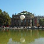 Der Opernballon fliegt! Flug frei zur neuen Opernspielzeit ohne Grenzen! https://t.co/DCdQkE8UWN