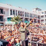 Sundays have never looked so good, missing our #TS5PoolParty today! @CraigDavid https://t.co/opVKh8W46P