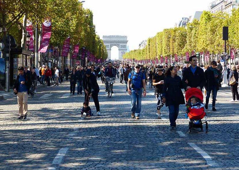 C'est beau une ville sans voiture #JourneeSansVoiture https://t.co/tVVWL6pAgm