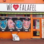 Falafel caff in Sydney Street #Brighton for #FontSunday @DesignMuseum @typechap. Love the spice coloured walls too. https://t.co/k745lvhPpr