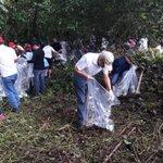 Pdte. @JC_Varela, Min. @mireiheras  y Min. Alemán participan de la jornada de limpieza de playas. #PlayasLimpias https://t.co/wpgfLloyCX