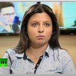 Только в России женщина, которая должна торговать чурчхелой на пляжах Анапы, руководит огромным медиахолдингом. https://t.co/i3kCOKueqv