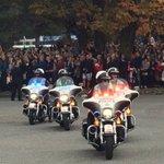 Royals arriving at Kitsilano coast Guard Station, big cheers from the thousands gathered #RoyalVisitCanada https://t.co/4e2885O6O8