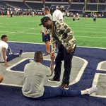 50 cent on the field with the @dallascowboys. @nbcdfw https://t.co/DbIyYRq7x9