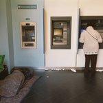 El Banco Nación de @CarlosMelconian La ciudad de @horaciorlarreta El país de @mauriciomacri #Mesaza #PobrezaCEO https://t.co/DNVg8McSEC
