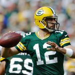 Aaron Rodgers had 3 Pass TD in his 1st 2 games. Today, he has 4 Pass TD in the 1st half alone. https://t.co/HzdWojQiGP