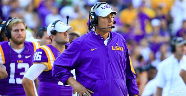 After 12 seasons in Baton Rouge, Les Miles has been fired as #LSU's head coach. https://t.co/yWb9pgrVXr https://t.co/wDtXdrFvLj
